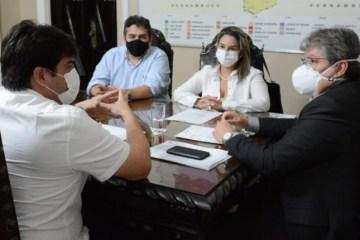 Reuniao prefeita Karla Pimentel com governador Joao Azevedo - Karla Pimentel agradece a João Azevêdo por recuperação da PB-008 no Conde