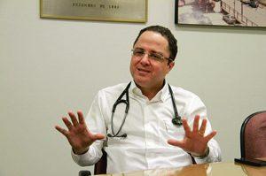 Roberto Kalil 300x199 1 - COVID-19: Médico faz avaliação e diz que prefeito Zé Aldemir está bem