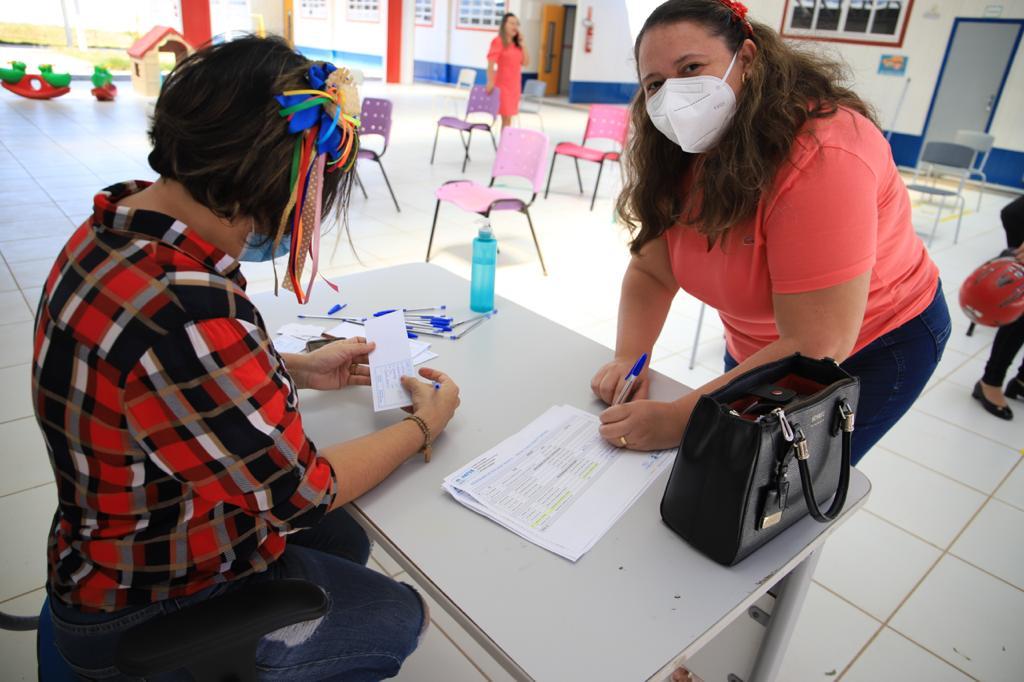 WhatsApp Image 2021 06 09 at 12.35.24 2 - Trabalhadores da Educação de creches e pré-escolas começam a ser imunizados na cidade de Patos
