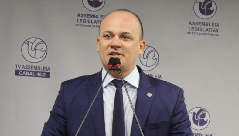 WhatsApp Image 2021 06 14 at 20.53.10 e1623720846305 - MIL SEGUIDORES A MENOS: deputado paraibano é atingido por decisão do Twitter que exclui contas 'não confirmadas'