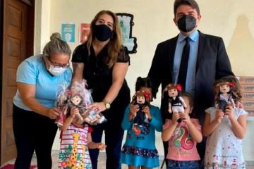 bonecas e1623494342582 - Bonecas feitas em homenagem a Juliette são doadas a crianças em casa de acolhimento, na Paraíba