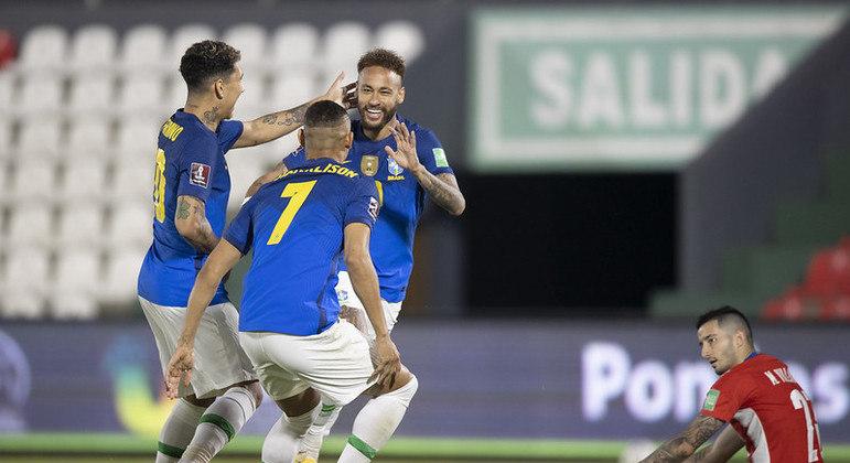 neymar richarlison brasil paraguai 08062021231119786 - Brasil vence o Paraguai e segue nas Eliminatórias da Copa