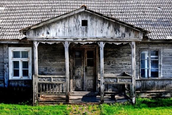 Podlasie_Tykocin-dworek-szary-ganek_07-2014