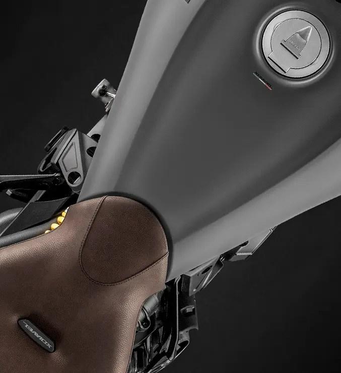 XDiavel-Matt-Grey-MY19-Carousel-Design-03-677x740.jpg