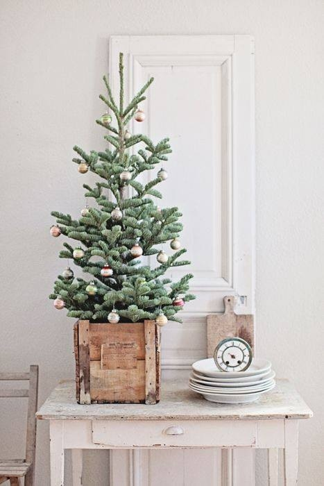 simple christmas decor