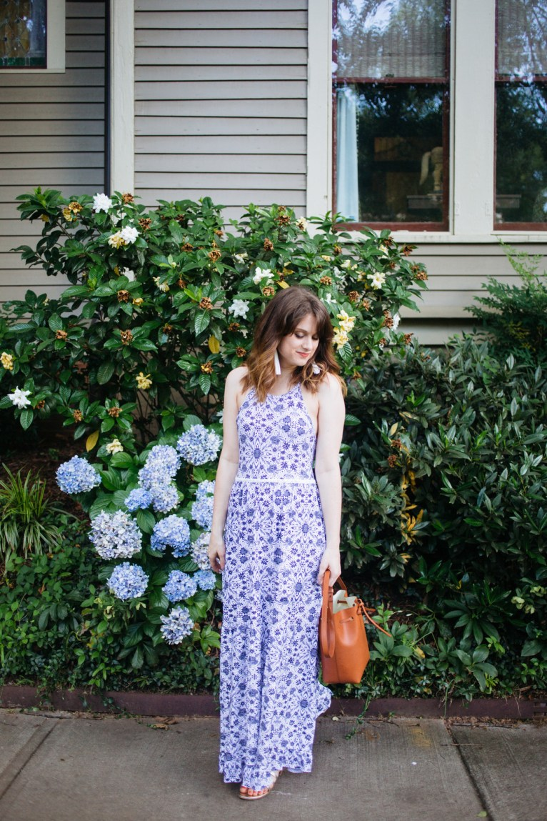 blue and white maxi dress || www.polishedclosets.com