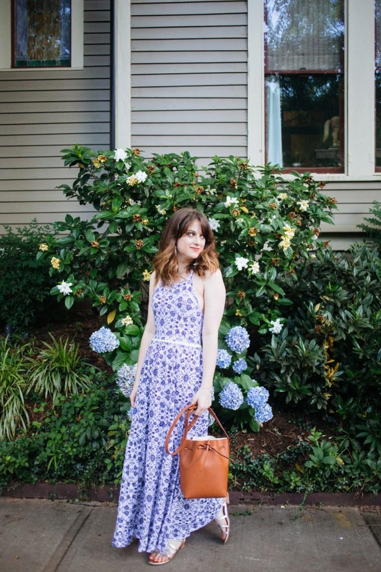 blue and white maxi dress || www.polishedclosets.com