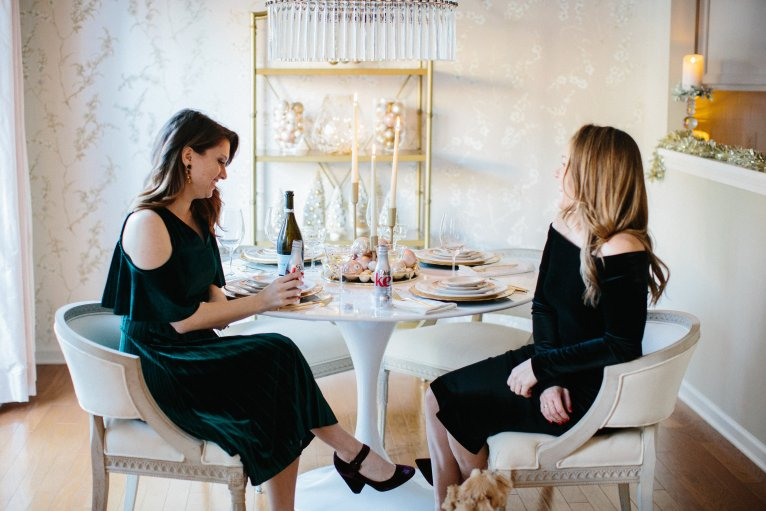 How to throw a holiday dinner party // www.polishedclosets.com