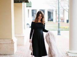 maternity style NYE outfit // www.polishedclosets.com