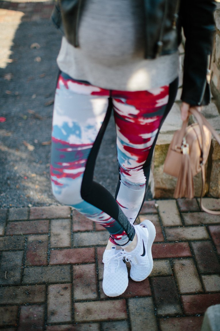 how to wear leggings // www.polishedclosets.com