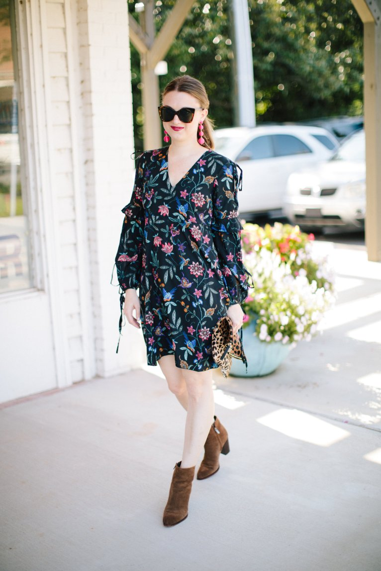 The perfect dress with my favorite trend: fall florals. By fashion and lifestyle blogger Maggie Kern of Polished Closets.