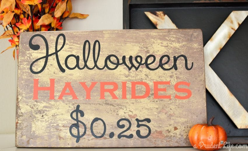 DIY Halloween Hayride Sign