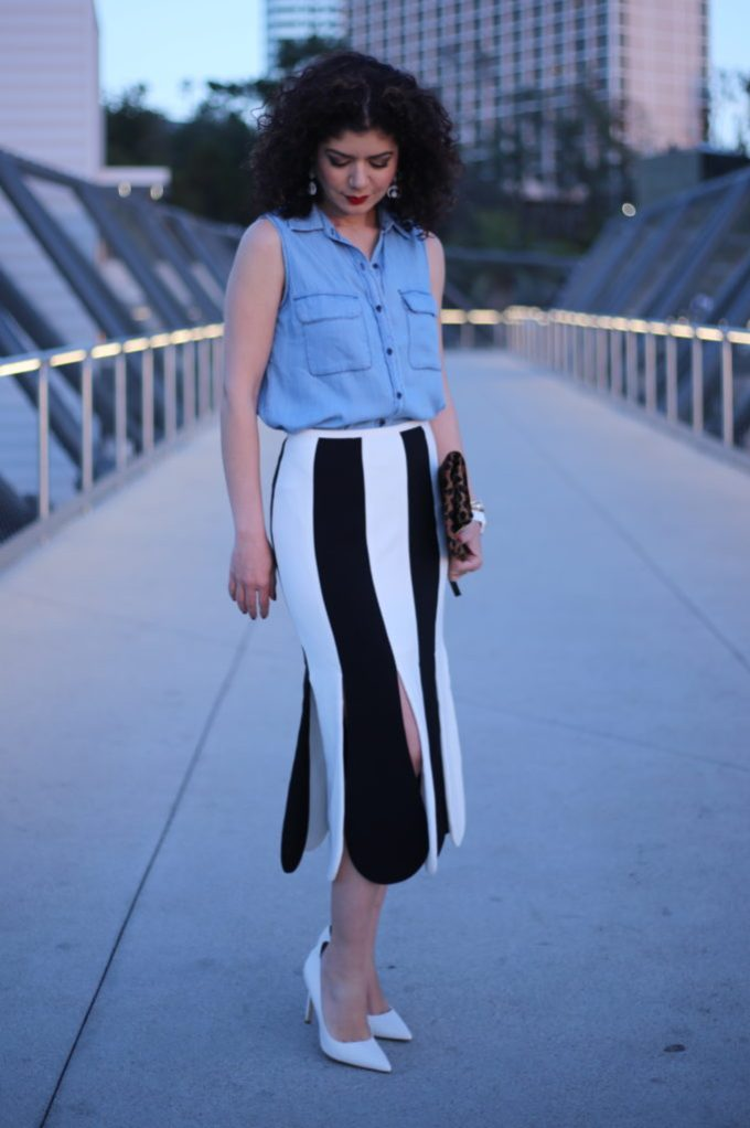 Best skirt outfits & why we should wear more skirts. Victoria Beckham for Target black and white stripe scallop midi skirt.