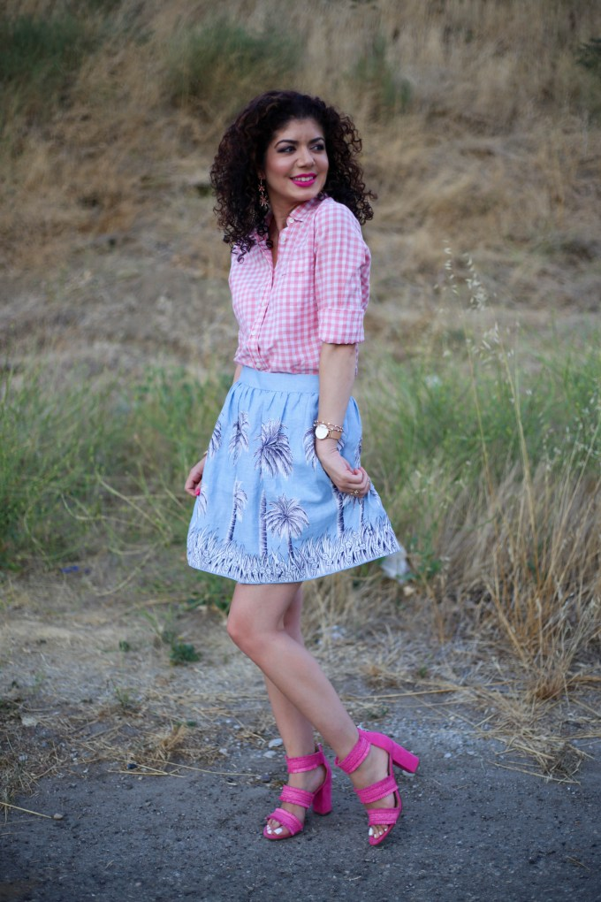 Palm tree print skirt and gingham pattern mixing with the J Crew linen skirt in palm tree print, pink gingham shirt and pink shoes