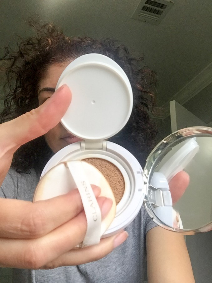 Clarins everlasting cushion foundation review on Polished Whimsy fashion and beauty blog. Everyday style | foundation routine | beauty over 40
