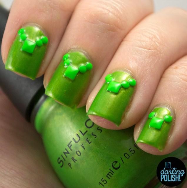 nails, nail art, nail polish, polish, studs, green, golden oldie thursdays, hey darling polish
