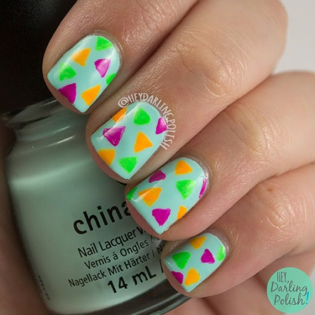 nails, nail art, nail polish, neon, triangles, hey darling polish, china glaze, theme buffet