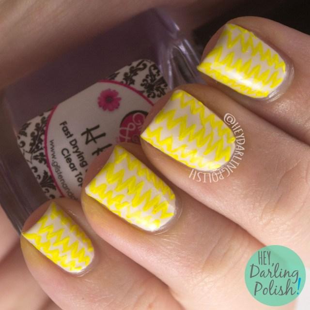 nails, nail art, nail polish, yellow, zig zags, pattern, hey darling polish, 31dc2014, 31 day challenge