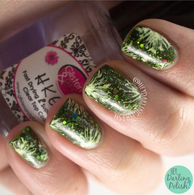 nails, nail art, nail polish, green, pattern, hey darling polish, delush polish, dandelions, 2015 cnt 31 day challenge, indie polish, glitter