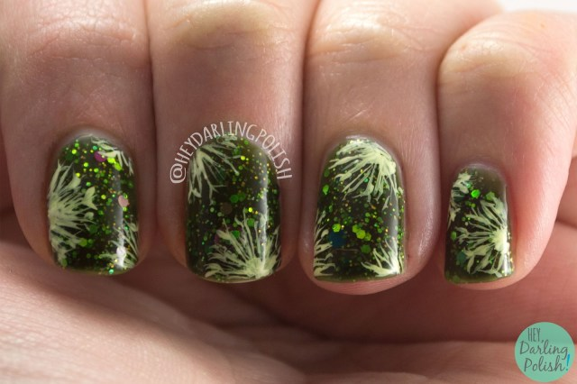 nails, nail art, nail polish, green, pattern, hey darling polish, delush polish, dandelions, 2015 cnt 31 day challenge, indie polish, glitter