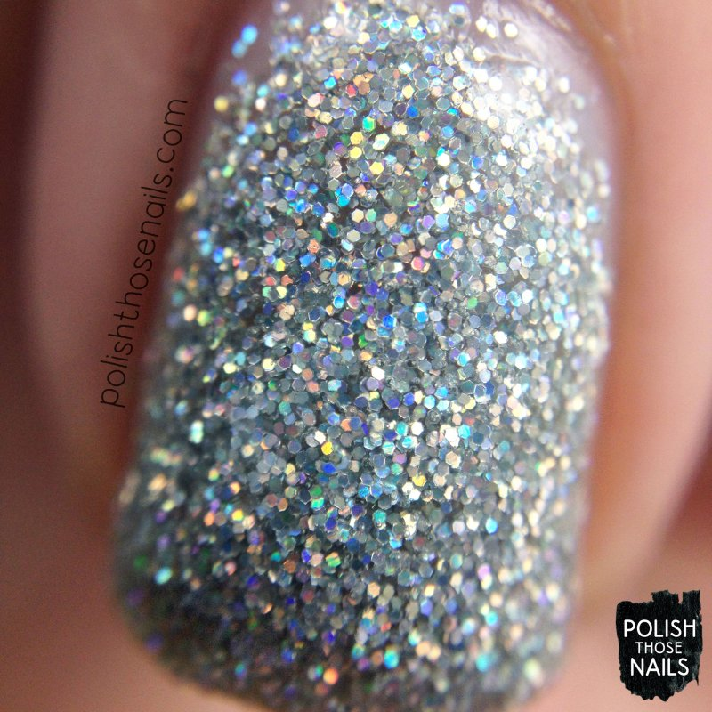 daily-hues-nail-lacquer-silver-glitter-holo-eve-swatch-macro