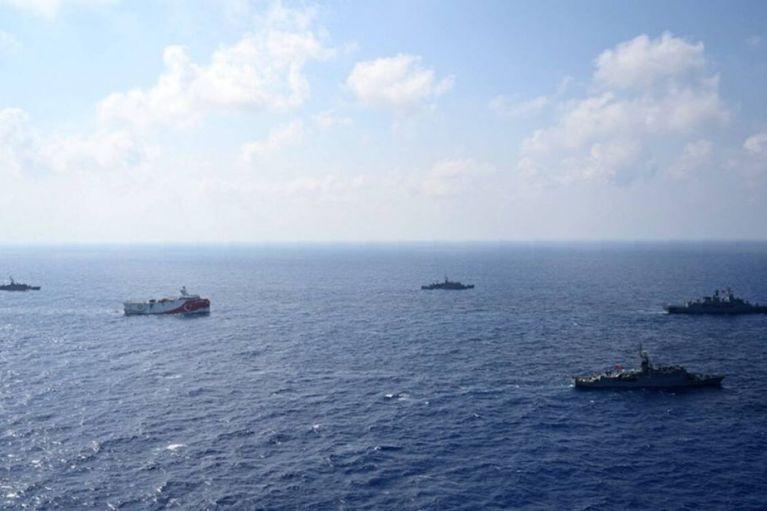 Oruc Reis : Οργή στην Αθήνα από τις προκλήσεις της Τουρκίας – Σε απόσταση βολής ο Στόλος