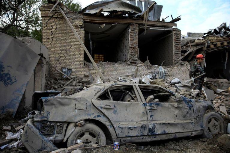 Ναγκόρνο Καραμπάχ : Αρμενία και Αζερμπαϊτζάν δεσμεύονται εκ νέου σε μια ανθρωπιστική εκεχειρία