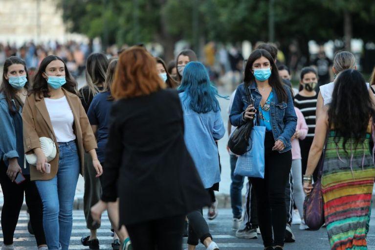 Κοροναϊός : Κρίσιμο δεκαπενθήμερο με μέτρα που «ξορκίζουν» το lockdown – Πώς η Βόρεια Ελλάδα έχασε τον έλεγχο