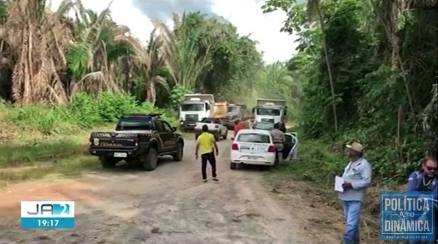 Agentes federais suspenderam atividades no local (Foto: Reprodução/TV Anhanguera)