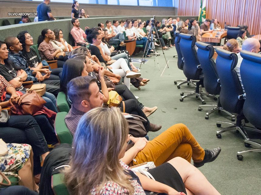 Audiência pública na CLDF defende presença de dentistas em UTIs