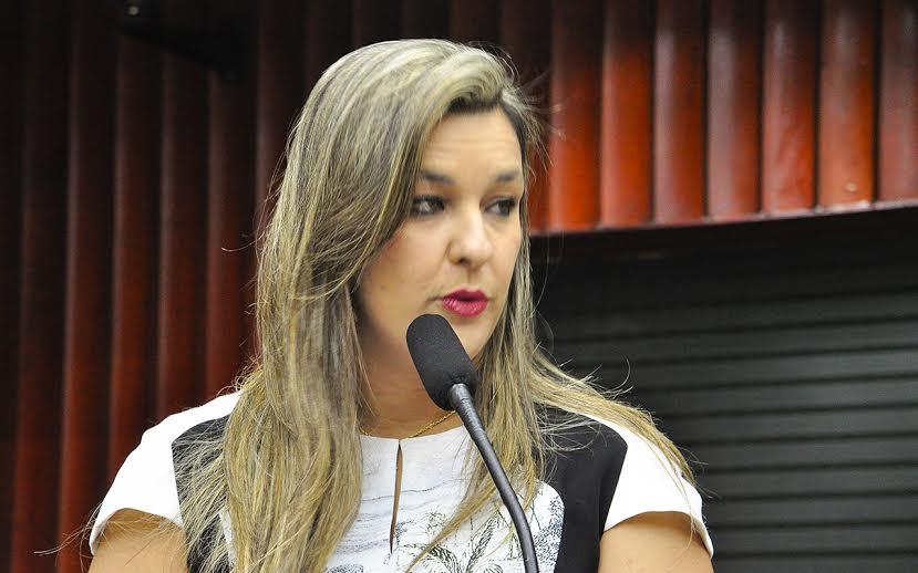 """Em nota, deputada Camila Toscano nega intimidação a jornalista: """"Lamento distorções feitas por jornalista """""""