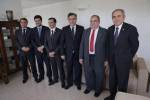 Efraim Filho (DEM), Wilson Filho (PTB), Benjamim Maranhão (SD), além dos senadores: Cássio Cunha Lima (PSDB) e Raimundo Lira (PMDB) e Rômulo Gouveia