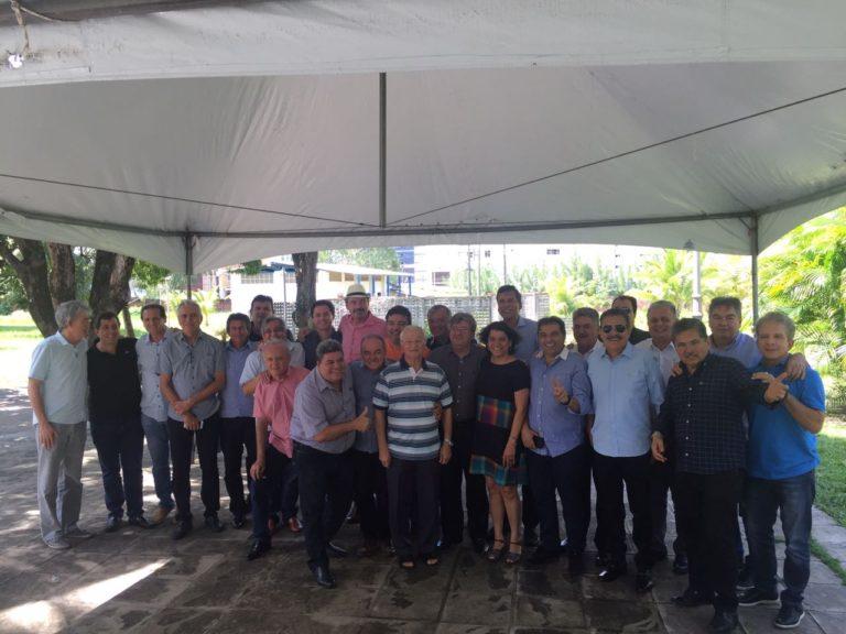 ÁUDIO: Reunião na Granja Santana foi para discutir campanha de João Azevedo, mas socialista saiu calado e Frei Anastácio entrega tudo