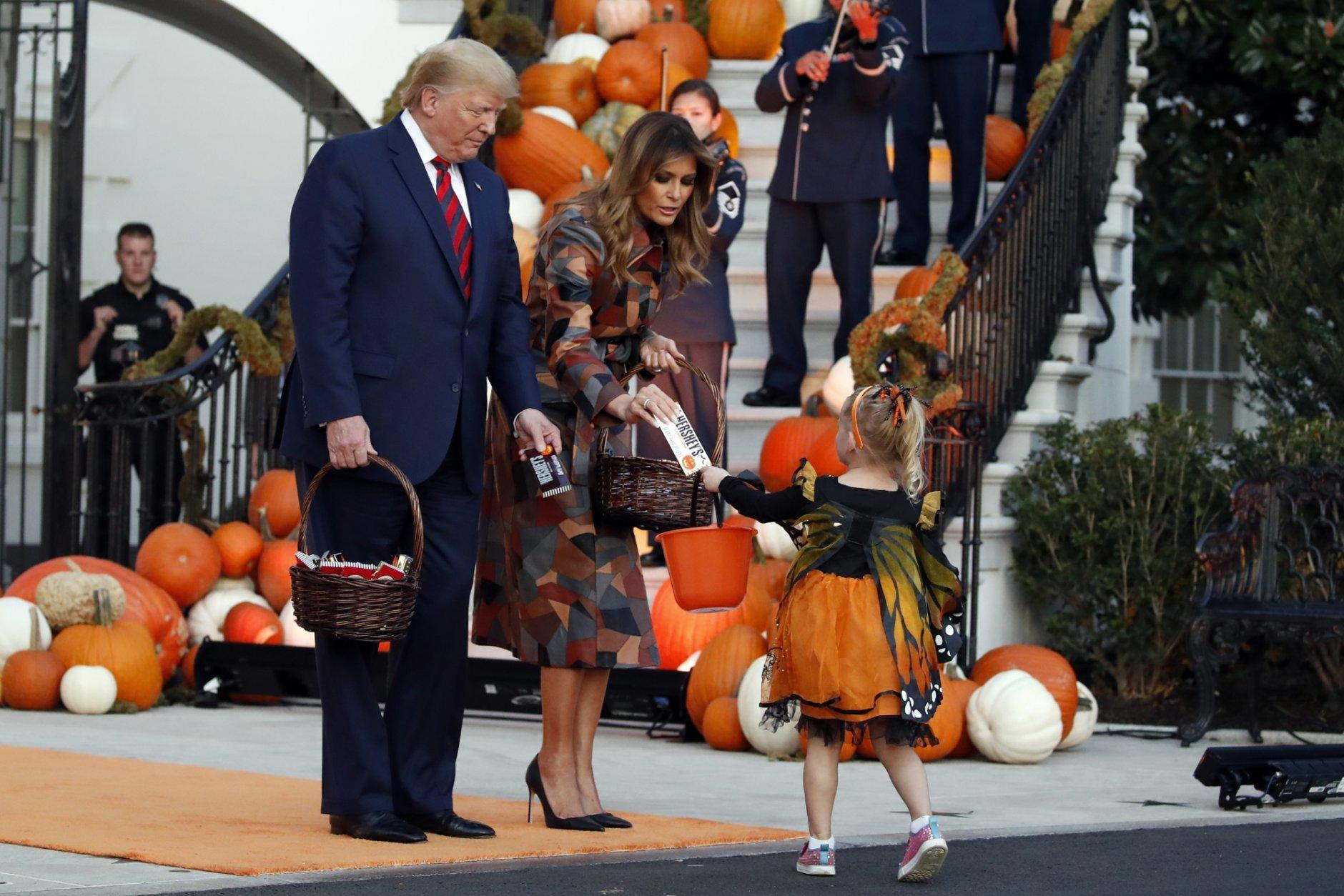 Asshole Dresses as President for Final Halloween in the White House