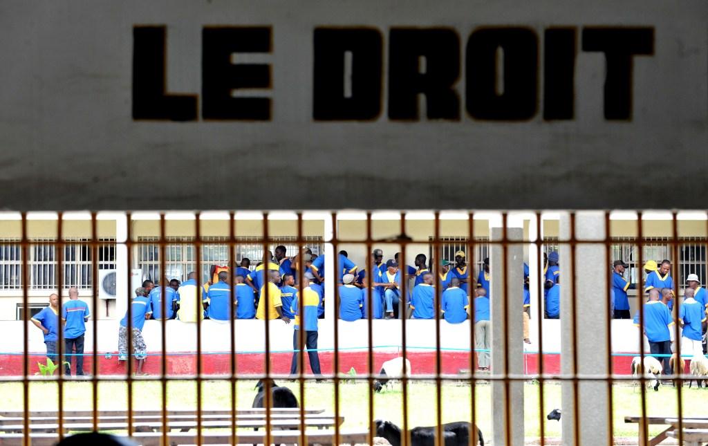 Décrispation: 450 personnes toujours en prison, des médias des opposants toujours fermés (ONG)