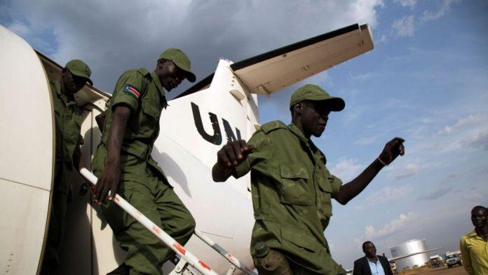 des-soldats-rebelles-de-l-armee-de-liberation-du-peuple-soudanais-arrivent-a-l-aeroport-de-juba-le-28-mars-2016_5572675