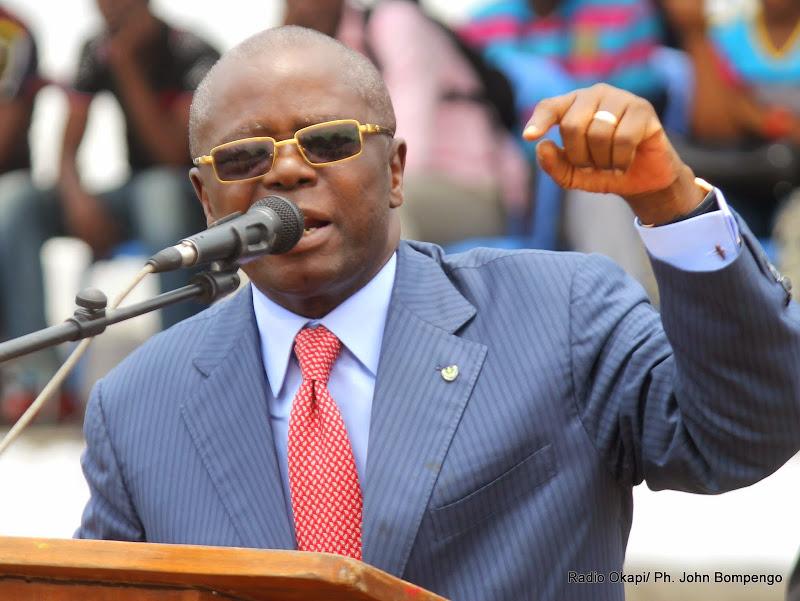"""Kinshasa: André Kimbuta """"satisfait"""" de l'évolution de travaux d'assainissement"""