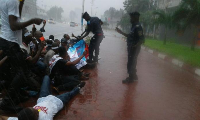 2016-10-drc-africa-protesters-protest-arrest