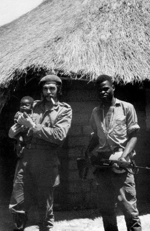Le commandant Ernesto «Che» Guevara dans le maquis congolais en 1965 © Photo Reuters