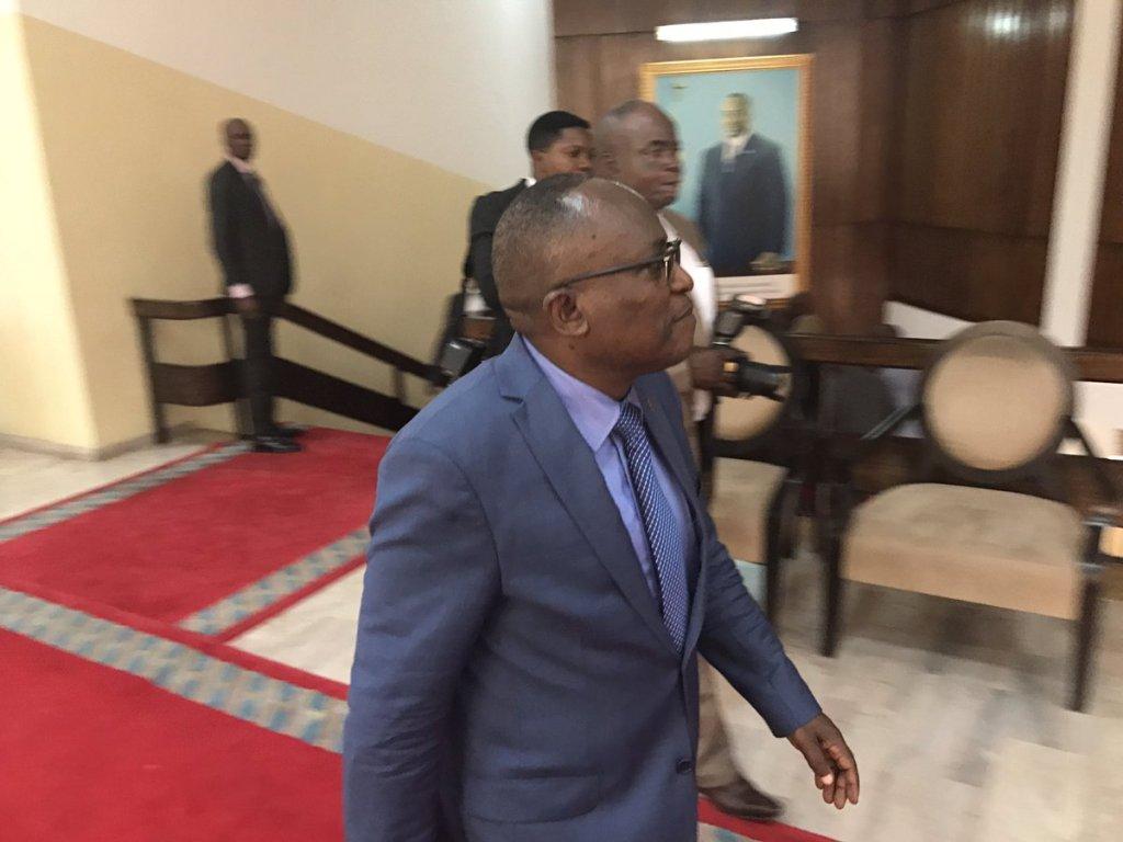 Quand Mubake offre ses services à Kabila