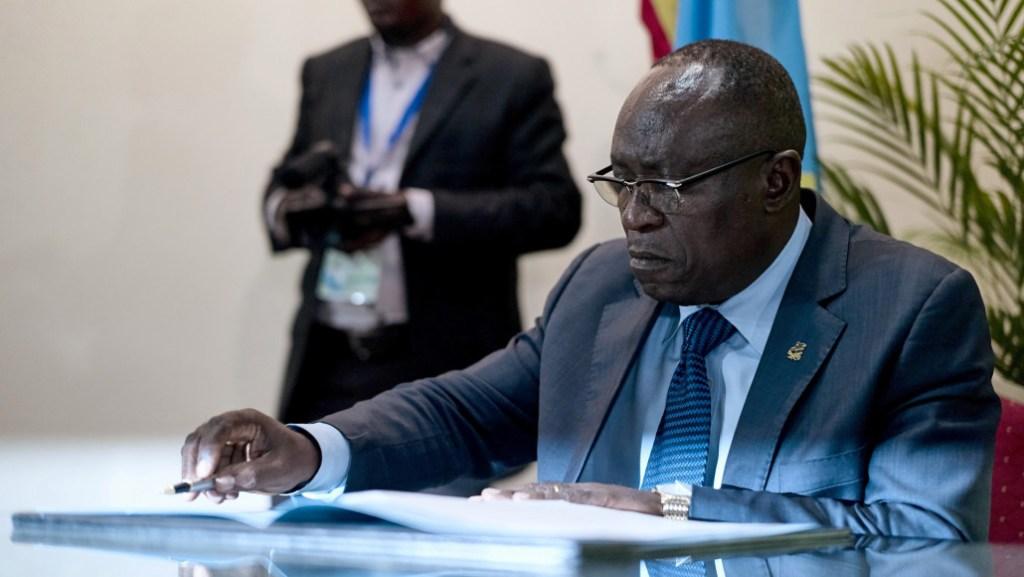 Valentin Mubake crée UDPS/LE PEUPLE
