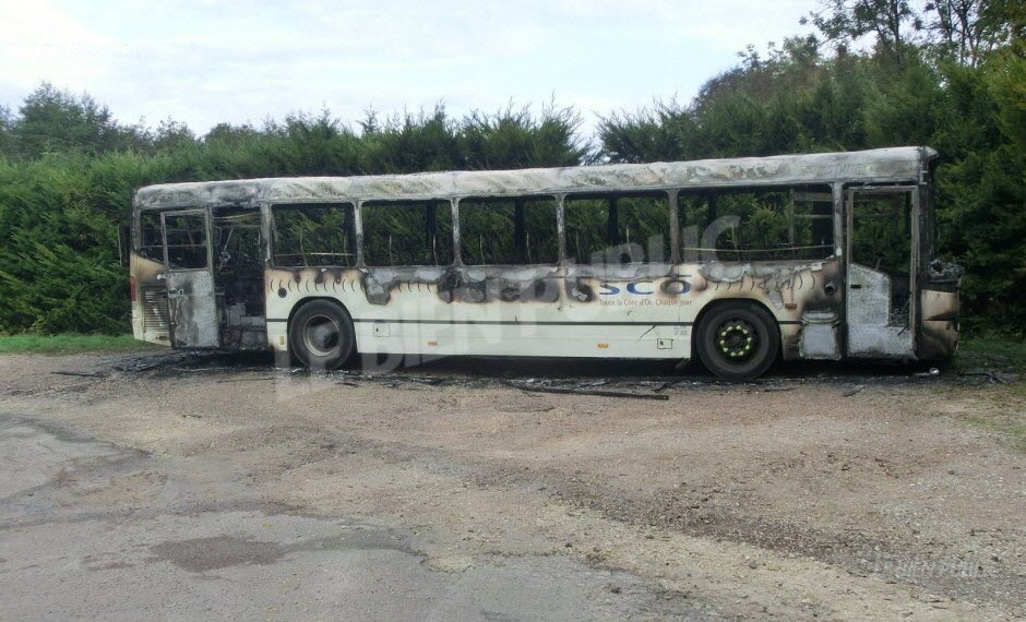 Kinshasa: un bus Transco brûlé vers Rond-point Ngaba,  5 blessés