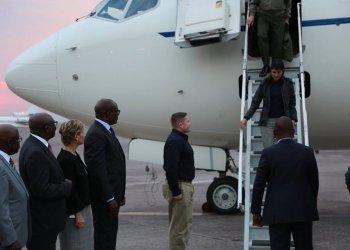 Voici pourquoi Nikki Haley est arrivée «en avion militaire» à Kinshasa