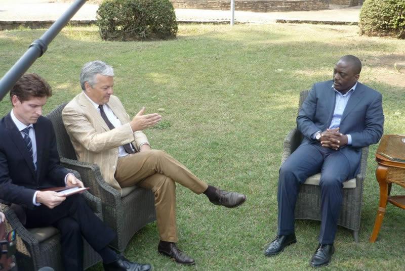 """""""Révision fondamentale"""" de sa coopération: la Belgique prend Kabila par les cornes"""