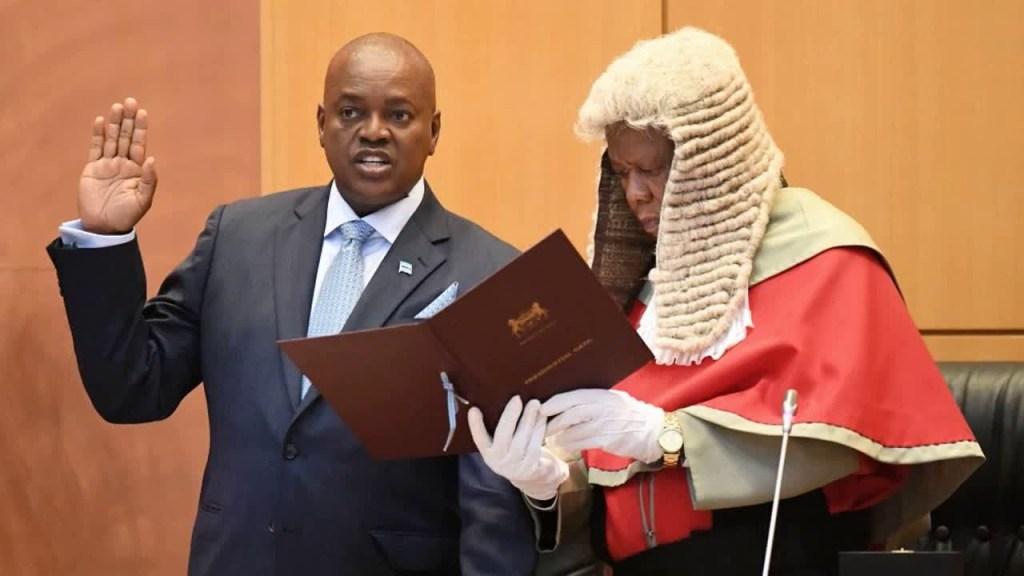 Le nouveau président du Botwsana presse Kabila