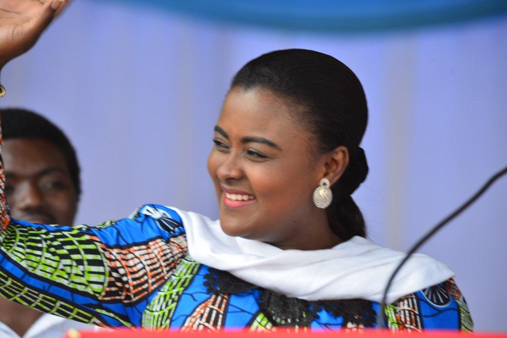 Le conseil national de la jeunesse désavoue Francine Muyumba