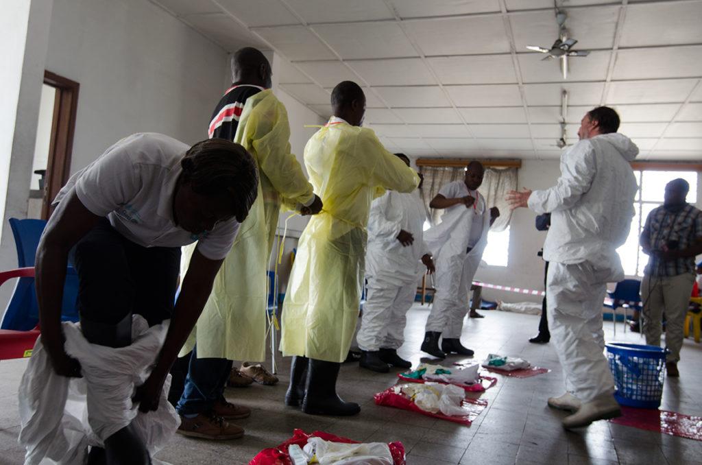 Ebola: 3 professionnels de Santé ont été atteints