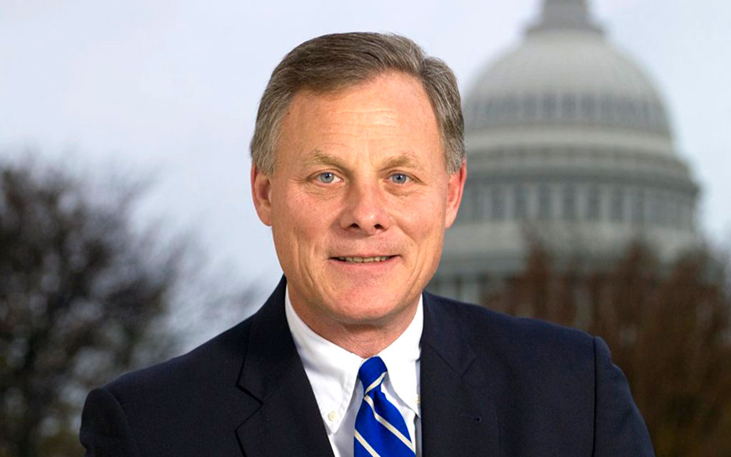 Richard Burr Should Resign