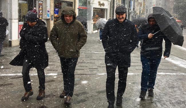CHP Beyoğlu Belediye Başkan adayı Alper Taş: Beyoğlu'nu tepeden yönetmeyeceğiz