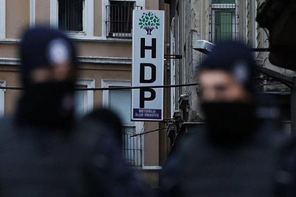 HDP'yi kim kapatmak istiyor?